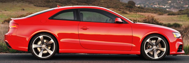 2013 Audi RS5 side view