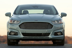 2013 Ford Fusion Hybrid front view