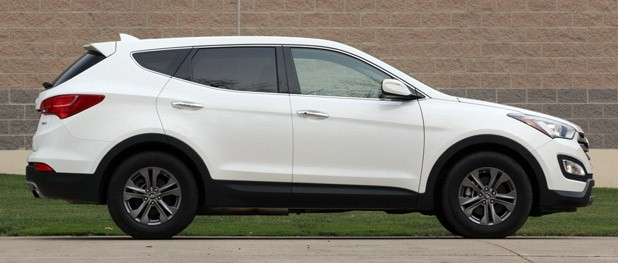 2013 Hyundai Sante Fe Sport side view