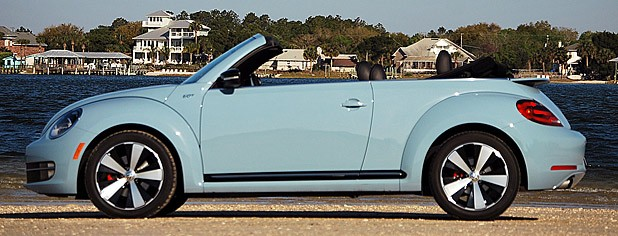 2013 Volkswagen Beetle Turbo Convertible side view