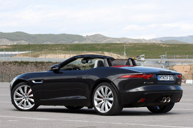 2014 Jaguar F-Type rear 3/4 view
