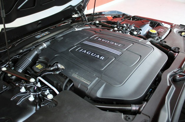 2014 Jaguar F-Type engine
