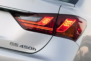 2013 Lexus GS450h taillight