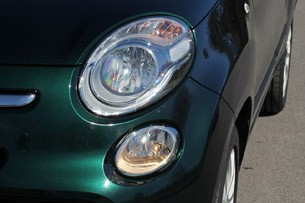 2014 Fiat 500L headlight