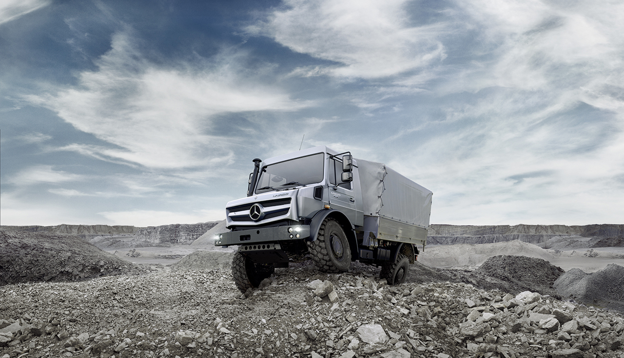 Mercedes benz unimog photo gallery autoblog for Mercedes benz unimog