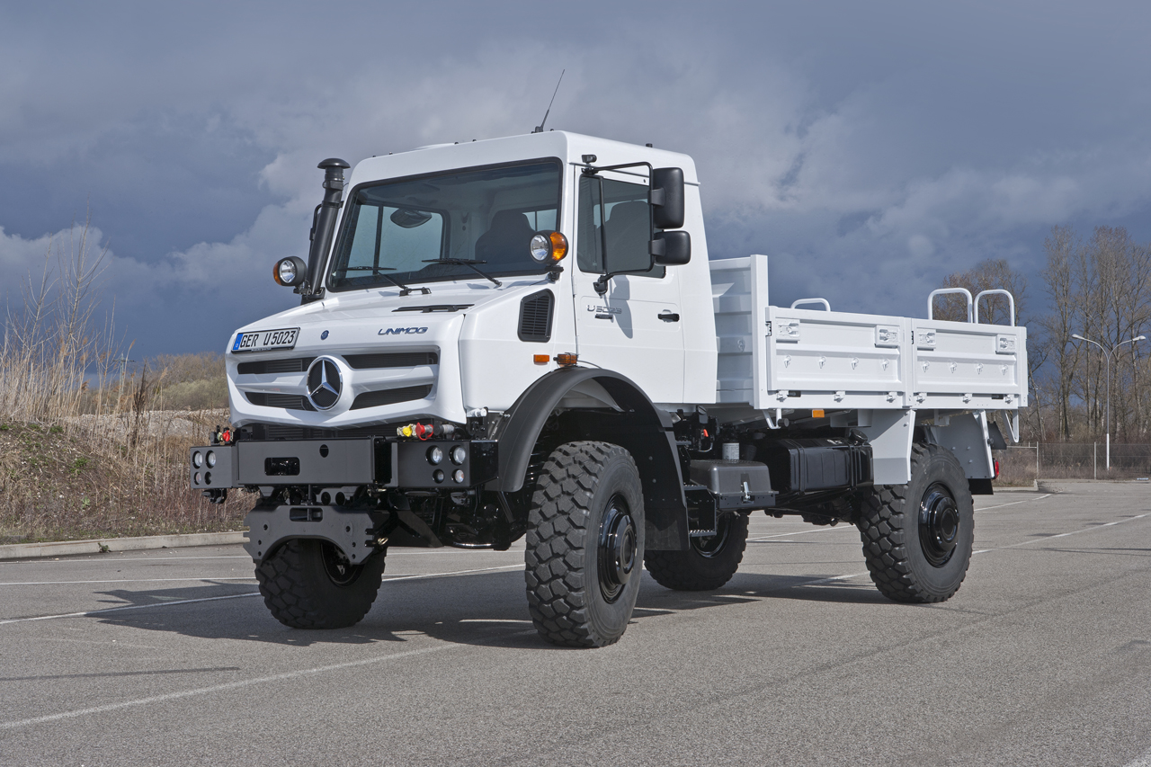 mercedes benz unimog photo gallery autoblog. Black Bedroom Furniture Sets. Home Design Ideas
