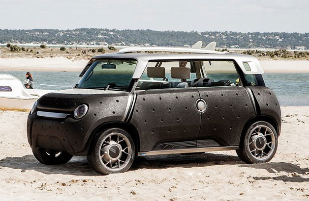 Toyota Me.We concept car on the beach