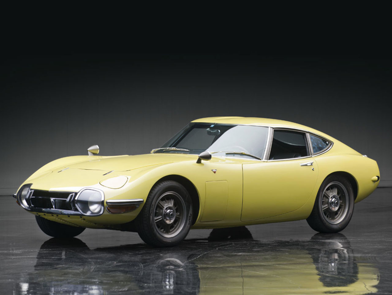 1967 toyota 2000gt most expensive asian car ever sold at 1 2m autoblog. Black Bedroom Furniture Sets. Home Design Ideas