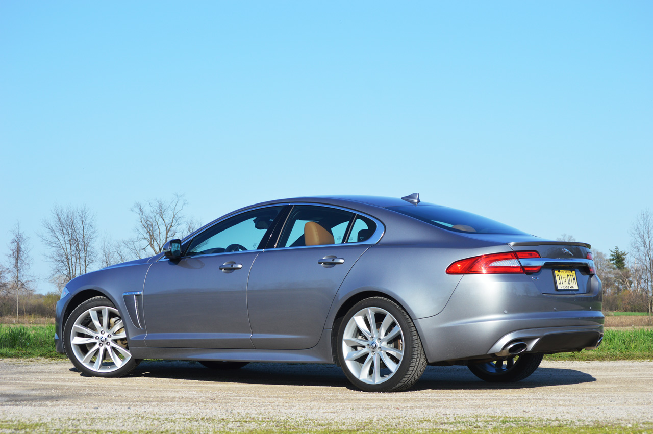 2013 jaguar xf 2 0t quick spin photo gallery autoblog. Black Bedroom Furniture Sets. Home Design Ideas
