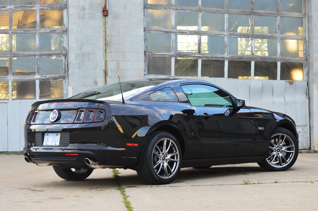 2014 Ford Mustang GT: Quick Spin Photo Gallery - Autoblog