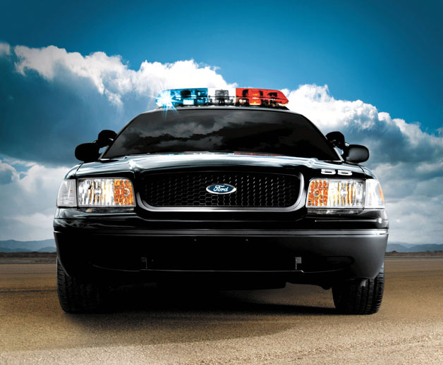 2005 Ford Crown Victoria Police Interceptor - dead-on front view
