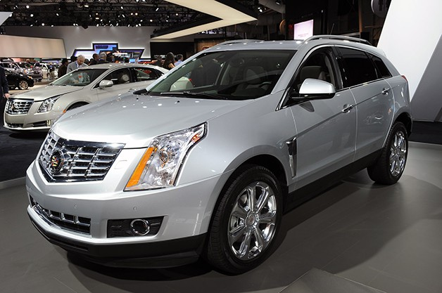 2013 Cadillac SRX - front three-quarter view, silver