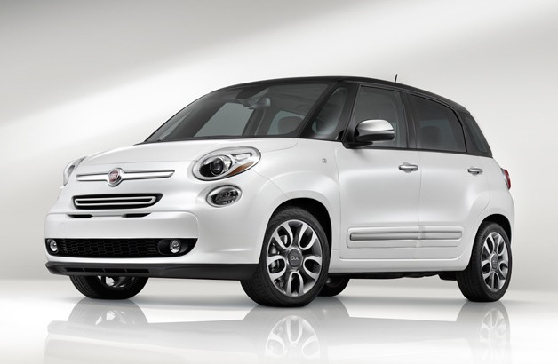 2014 Fiat 500L - front three-quarter view, white