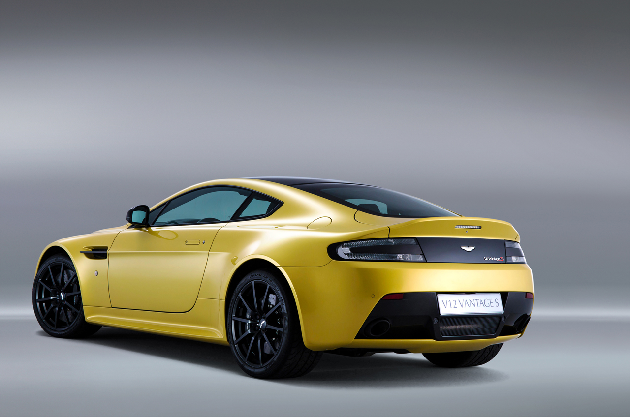aston martin v12 vantage s photo gallery autoblog. Black Bedroom Furniture Sets. Home Design Ideas