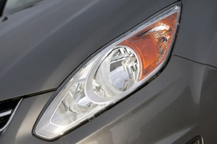 2013 Ford C-Max Hybrid headlight