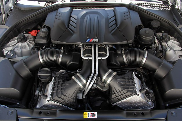 2014 BMW M6 Gran Coupe engine