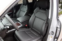 2014 Acura MDX front seats
