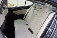 2014 Kia Cadenza rear seats