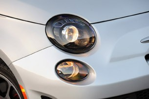 2013 Fiat 500 Turbo headlight