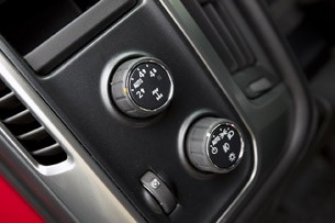 2014 Chevrolet Silverado drive mode controls