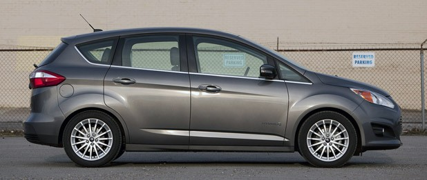 2013 Ford C-Max Hybrid side view