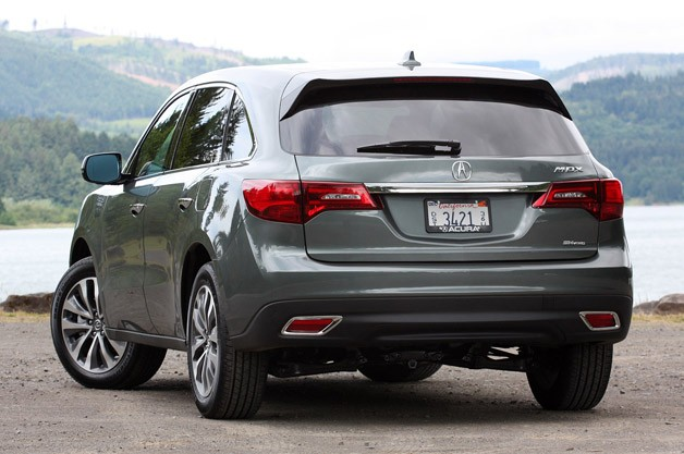 2014 Acura MDX rear 3/4 view