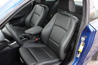 2013 BMW 135is front seats