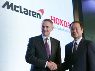 McLaren Honda team formation - executives shaking hands
