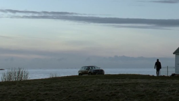 Volvo crossover teaser - video screencap