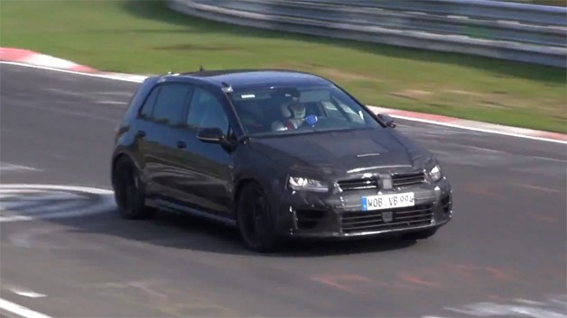 2015 Volkswagen Golf R caught testing on Nordschliefe - video screencap