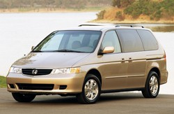 2003 Honda Odyssey - front three-quarter view