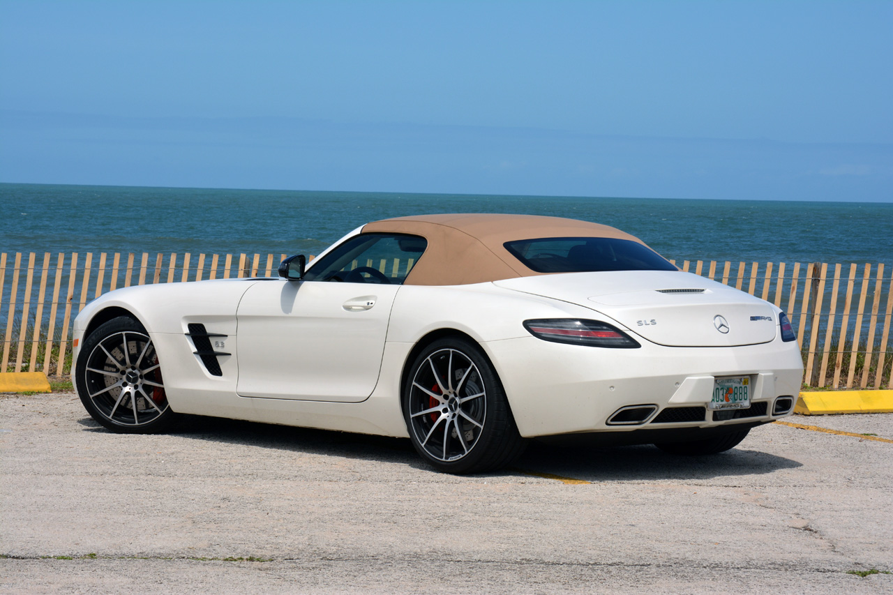 2013 mercedes benz sls amg gt roadster autoblog. Black Bedroom Furniture Sets. Home Design Ideas