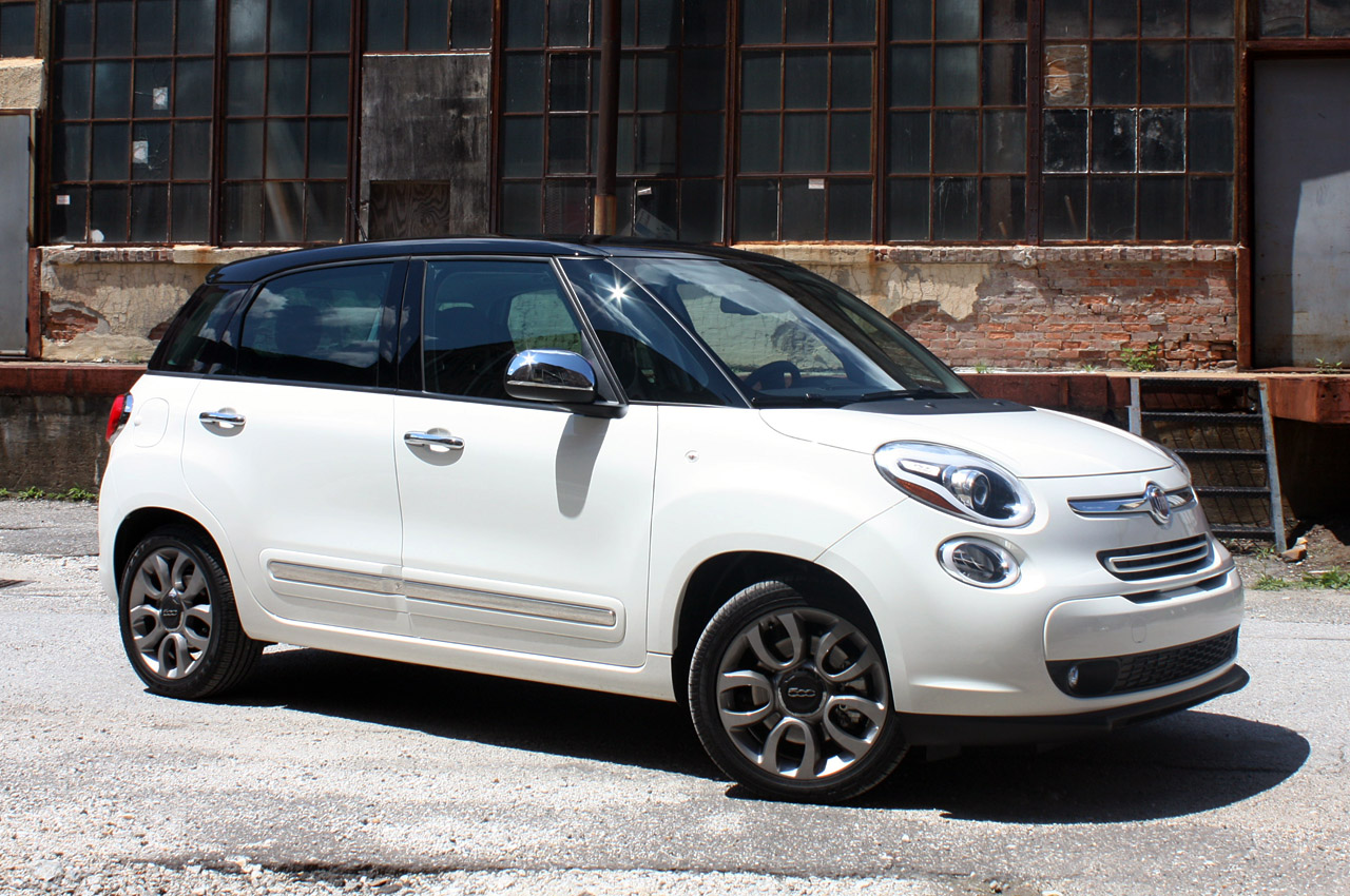 2014 fiat 500l first drive autoblog. Black Bedroom Furniture Sets. Home Design Ideas