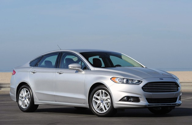2013 Ford Fusion - front three-quarter view, silver