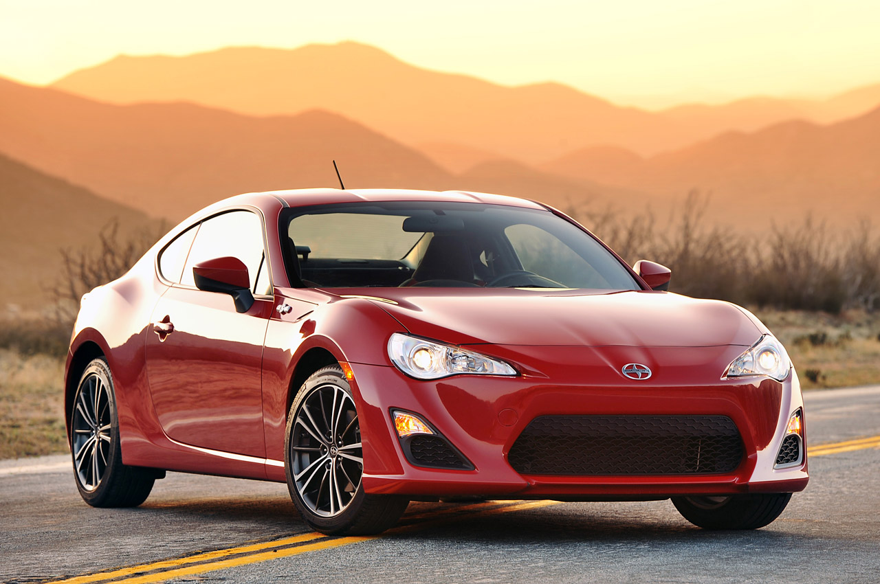 2013 scion fr s photo gallery autoblog. Black Bedroom Furniture Sets. Home Design Ideas
