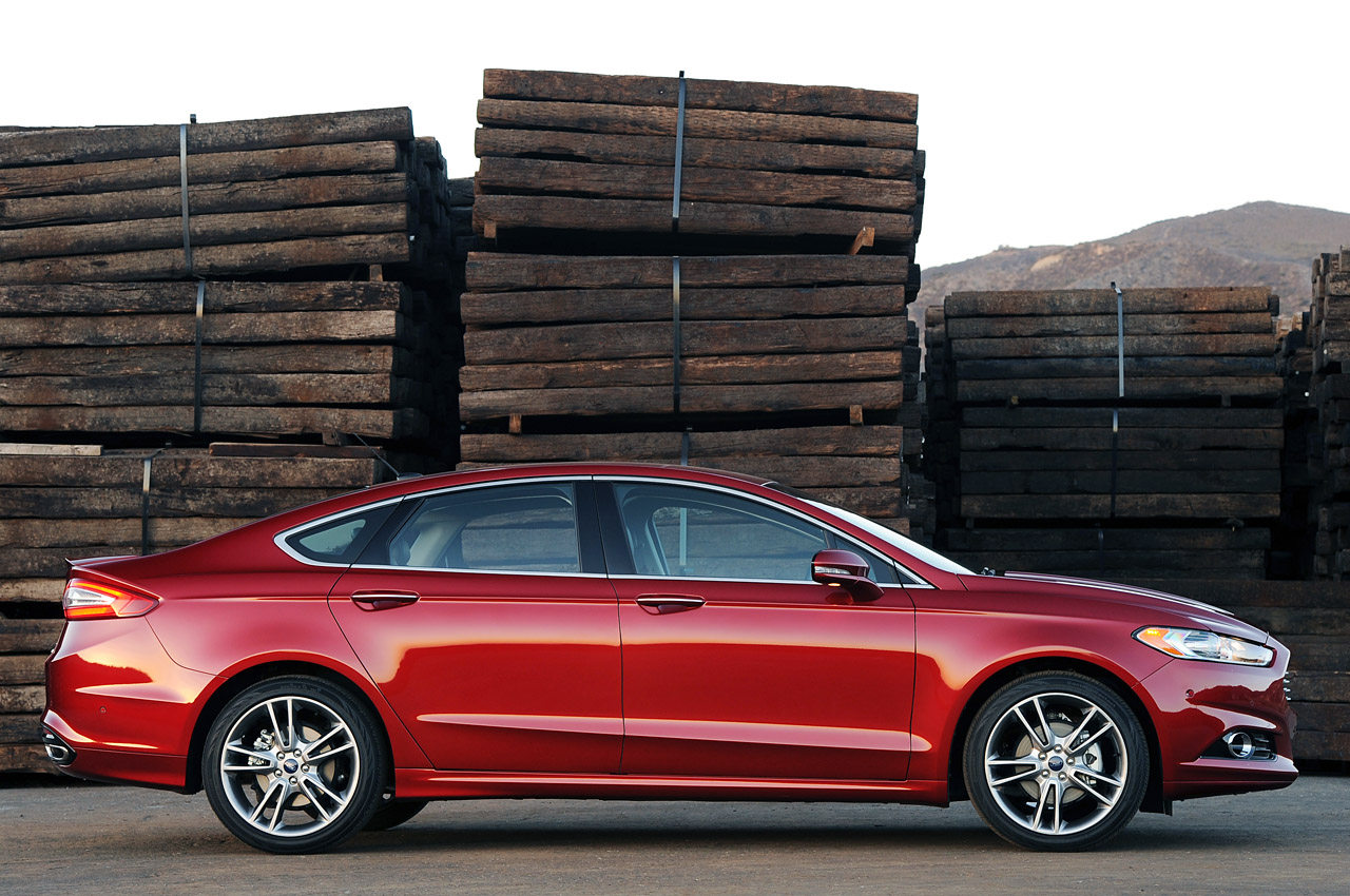 ford recalling 65k fusions from 2014 and 2015 because key. Black Bedroom Furniture Sets. Home Design Ideas