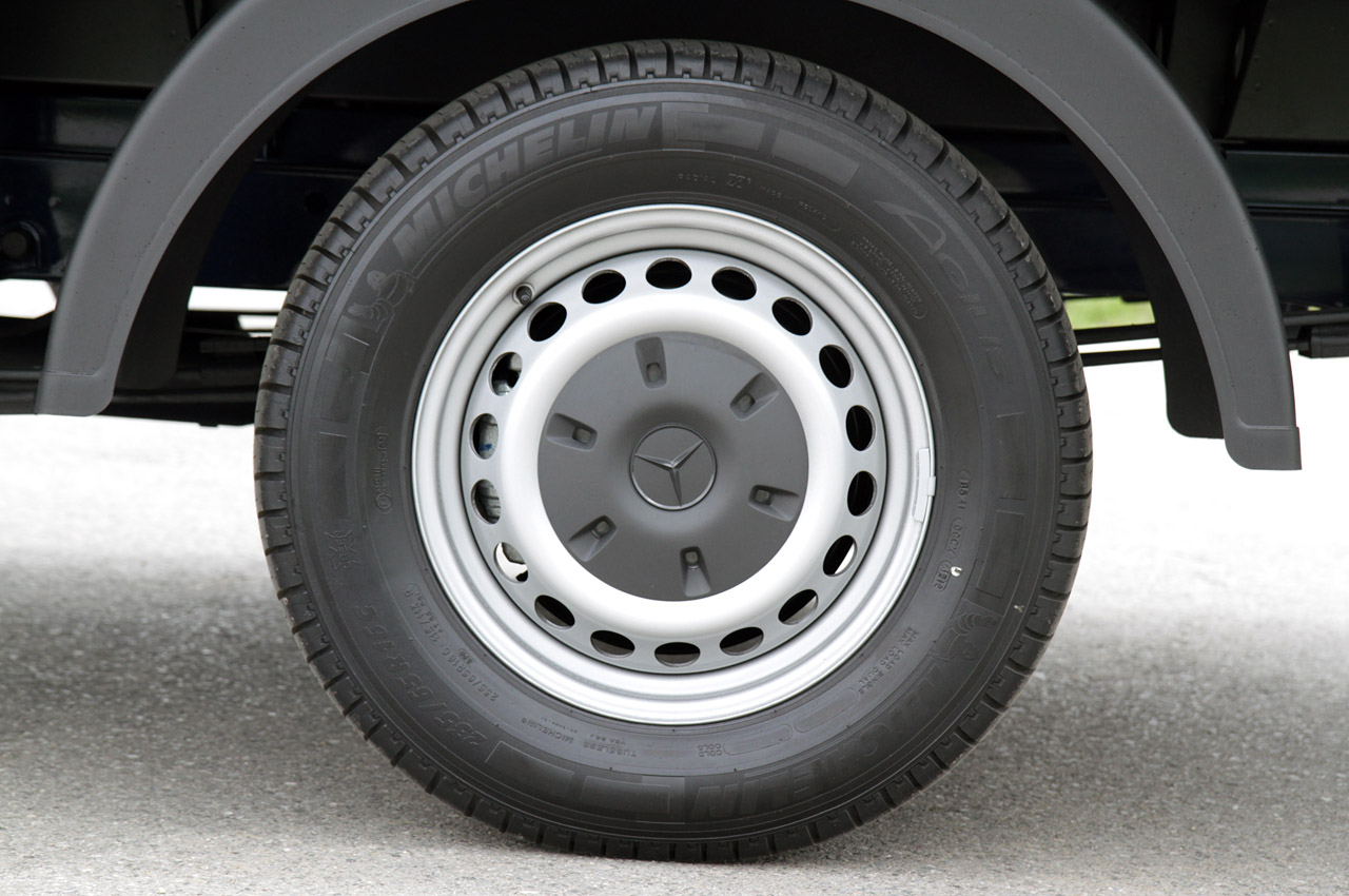 2014 mercedes benz sprinter first drive photo gallery for Mercedes benz sprinter wheel covers