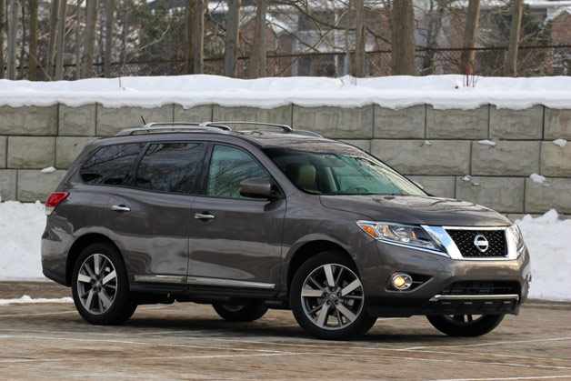 Long-term 2013 Nissan Pathfinder - Front three-quarter view