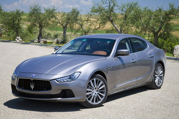 2014 Maserati Ghibli sedan - front three-quarter view
