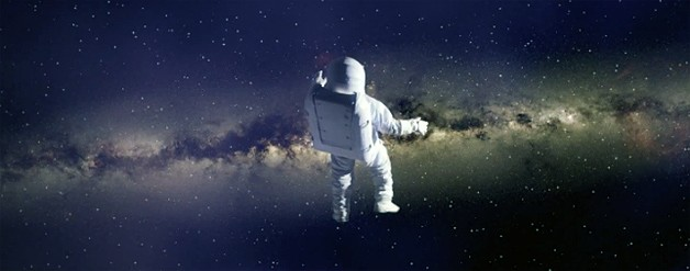 2014 Acura MDX ad screencap - astronaut in space