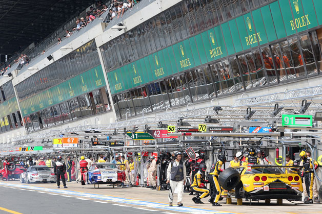 24 Hours of Le Mans pit action