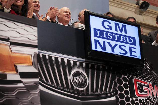 GM stock debuts on NYSE - CEO Dan Akerson rings the bell