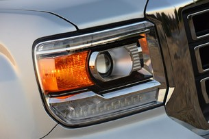 2014 GMC Sierra headlight