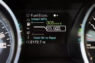 2013 Ford Mustang V6 fuel economy display