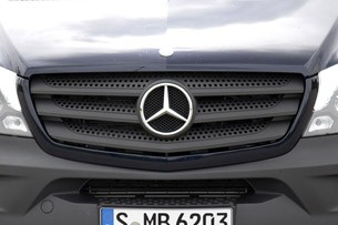 2014 Mercedes-Benz Sprinter grille