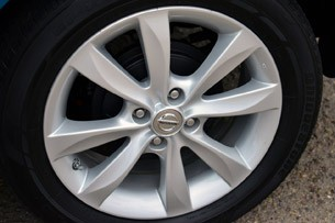 2014 Nissan Versa Note wheel