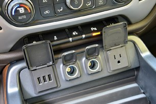 2014 GMC Sierra USB and power outlets