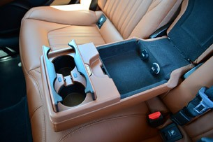 2014 Maserati Ghibli rear seat center console