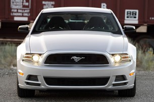2013 Ford Mustang V6 front view