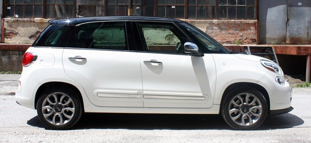 fiat 500 4 door 2014. 2014 fiat 500l side view 500 4 door